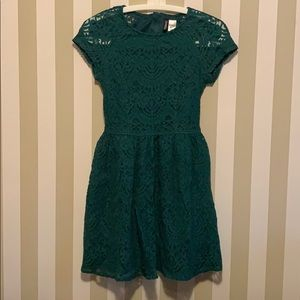 Emerald green lace H&M dress